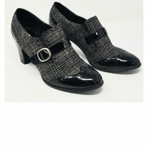 Karen Scott plaid Black with Buckle Sz 8.5